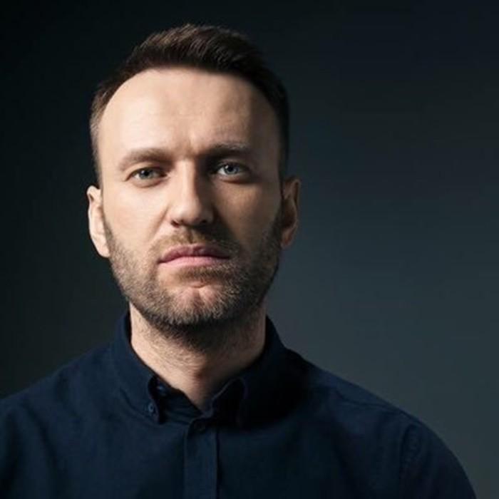 Навальный жив