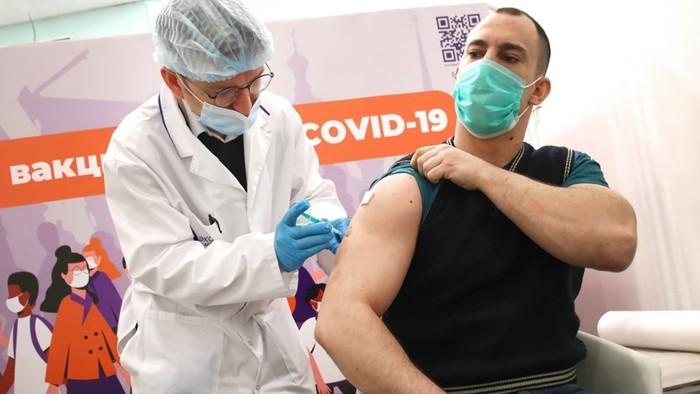 Почему россияне стали умирать после ковид-вакцинации